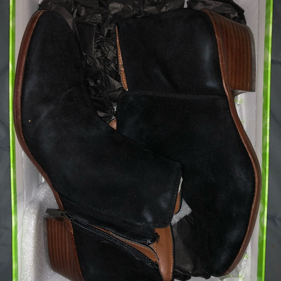 Sam Edelman Shoes - Sam Edelman black suede booties new in box